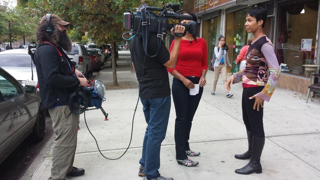 Pelo! Pelo! The Film crew conducting interviews (photo courtesy http://piczard.com | http://codecarvings.com)