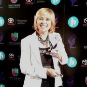 Susana G Baumann, Editor-in-Chief LIBizus wins Tecla Award at Hispanicize 2015
