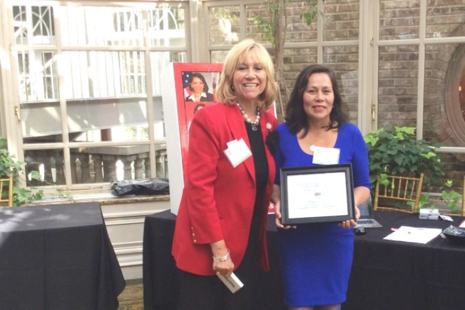 Fortuna Alcocer winner 2015 LatinasInBusiness.us Best Business Award 2015