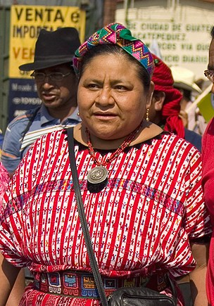 Rigoberta Menchú in the March 2009 march commemorating the anniversary of the signing of the Treaty on Identity and Rights of Indigenous Peoples