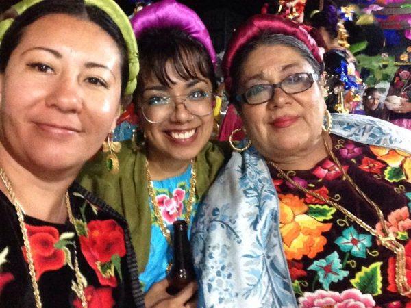 Adriana Pavon with artesans
