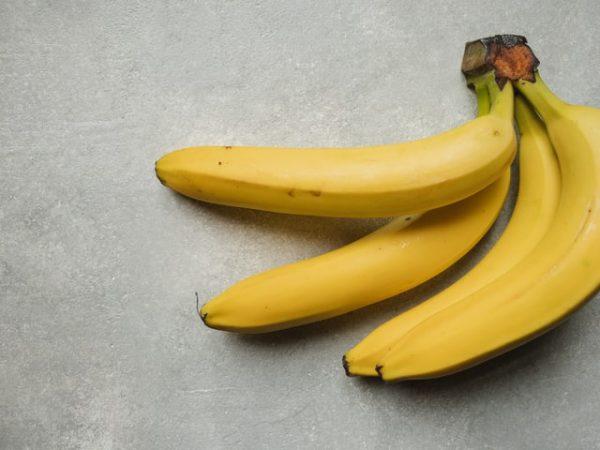 snacks to boost productivity, bananas